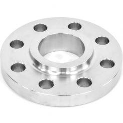 فلنج فولادی اسلیپون یا فلنج روکار Slip on Flange دارای لبه کوتاهی بر روی سطح آن می باشد. فلنج فولادی روکار در سرویسهای معمولی مورد استفاده قرار میگیرد. فلنج ها یکی از اتصال دهنده های لوله ها ، شیرآلات و دستگاه ها به یکدیگر می باشد فلنج ها در مکان هایی که در آن لوله ها ،ابزار دقیق، شیرها و دیگر تجهیزات که برای تعمیر و نگهداری مونتاژ شده اند مورد استفاده قرار میگیرند. اتصال فلنج دار تشکیل شده از سه قسمت مجزامی باشند که این سه عبارتند از فلنج ، کسکت و پیچ و مهره که این سه همواره کار اتصال با فلنج را انجام می دهند ابتدا فلنج به سر لوله جوش داده می شود سپسی کسلت را بین دو فلنج قرار داده و با پیچ و مهره می بندیم.