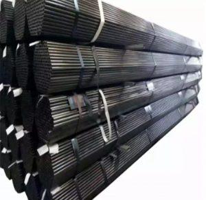 لوله فولادی جدار چاه یا لوله جدار یا لوله جدار چاهلوله ای است که برای جلوگیری از ریزش دیواره های چاه استفاده شده و تاثیر زیادی روی میزان خروجی آب دارد.  لوله جدار چاه را در بعضی مواقع به صورت شیار دار و گالوانیره شده به کار می برند.در واقع لوله جدار چاه مشبک لوله ای است که برای جلوگیری از ریزش دیواره های چاه استفاده شده و نوع آن تاثیر زیادی روی میزان خروجی آب دارد.  استفاده از این لوله بسته به نوع شیار و فضای موجود در بین آن ها متفاوت خواهد بود. این لوله نسلی جدید از لوله ها به شمار می رود که کیفیت آن تحت تاثیر نوع شیار ها متفاوت است.این