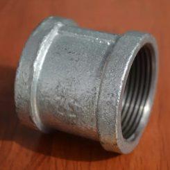 بوشن گالوانیزه یک قطعه استوانه ای از اتصالات گالوانیزه می باشد که دوسر آن از داخل به صورت ماده گی رزوه شده است، و برای اتصال دو لوله گالوانیزه به یکدیگر به کار برده می شود. لوله های گالوانیزه ای که در چاه برای انتقال آب از داخل چاه به بیرون استفاده می شود لوله گالوانیزه می باشد و معمولا سایز آنها 5 اینچ یه 6 اینچ می باشد که برای اتصال این لوله ها به یکدیگر از بوشن استفاده می شود.