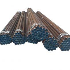 لوله مانیسمان رده 80 یا لوله فولادی بدون درز رده 80 ( Seamless Pipe ) یکی دیگر از انواع مختلف لوله مانیسمان ( Seamless Pipe ) می باشد که از نظر ضخامت جداره از لوله مانیسمان رده 40 ( Seamless Pipe )ضخیم تر بوده و دارای تحمل فسار بیشتری می باشد. رده لوله بدون درز همان مقدار اسکجول لوله ( Schedule Number Sch.No ) است که امروزه برای تعیین ضخامت جداره لوله ها مورد استفاده قرار می گیرد. این لوله به دلیل ساختار که بدون درز می باشد و از ضخامت بالایی برخوردار می باشد در خطوط لوله نفت و گاز و پتروشیمی و کارخانجاتی که نیاز به لوله با فشار بالا دارد استفاده می شود.