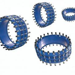 اتصال قابل پیاده شدن فولادی ( Dismantling Joints ) ابزاری است برای فراهم کردن فضای کاری مناسب که در خطوط لوله برای نصب کردن و جداسازی شیرآلات از خط انتقال مورد استفاده قرار می گیرد. به وسیله این اتصال ( Dismantling Joints ) می توان شیرها را به راحتی به کمک کم کردن طول این اتصالفولادی ( Dismantling Joints ) از خط لوله جدا کرد.این کار به کمک تنظیم پیچ و مهره های اتصال فوق( Dismantling Joints ) انجام می پذیرد. اتصال قابل پیاده شدن فولادی در کنار شیرآلات در خطوط انتقال آب به دلیل اصلاح کوتاهی در خط لوله،آسان شدن نصب و جداسازی شیرآلات از خط لوله،ایجاد اتصال ما بین شیر و خط لوله و… مورد استفاده قرار می گیرد.