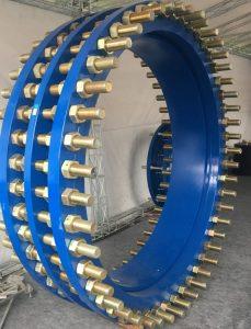 اتصال قابل پیاده شدن فولادی ( Dismantling Joints ) ابزاری است برای فراهم کردن فضای کاری مناسب که در خطوط لوله برای نصب کردن و جداسازی شیرآلات از خط انتقال مورد استفاده قرار می گیرد. به وسیله این اتصال ( Dismantling Joints ) می توان شیرها را به راحتی به کمک کم کردن طول این اتصالفولادی ( Dismantling Joints ) از خط لوله جدا کرد.این کار به کمک تنظیم پیچ و مهره های اتصال فوق( Dismantling Joints ) انجام می پذیرد.