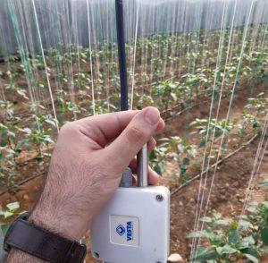 فناوری اینترنت اشیا در کشاورزی : امروزه از فناوری اینترنت اشیا در کشاورزی بسیار استفاده می شود. بنابراین ، این مقاله در مورد پروژه ای است با هدف کنترل مصرف آب در زمینه های کشاورزی، مبتنی بر اینترنت اشیا. که در آن همه اطلاعات با لمس انگشتان مشاهده و کنترل می شود. این بخشی از توسعه سیستم است که با چند حسگر اعمال می شود.