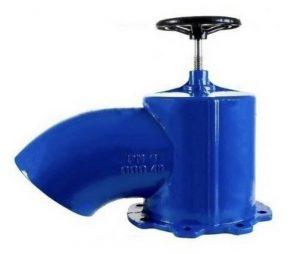 شیر تخلیه حوضچه یا هندلی از چدن داکتیل نشکن ساخته می شود. این نوع شیر دارای یک صفحه دیسکی شکل می باشد که زیر آن لاستیک آب بندی تابیه شده و از بالا به وسیله یا شفت از جنس فولادی یا استیل به دسته هندلی متصل می شود. دسته هندلی با چرخش به سمت چپ و راست دیسک را به جهت بالا و پایین حرکت داده و کار قطع و وصل جریان سیال را انجام می دهد.این شیر از دسته شیرآلات چدنی محسوب می شود و طراحی بسیار ساده و سبکی دارد و از نظر قیمت نسبت به شیرهای دیگر مرقوم به صرفه می باشد.