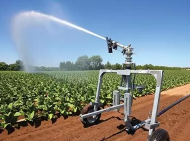 آبپاش های کشاورزی در آبیاری بارانی